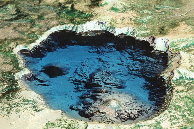 qmine-3d-tourism model-crater lake